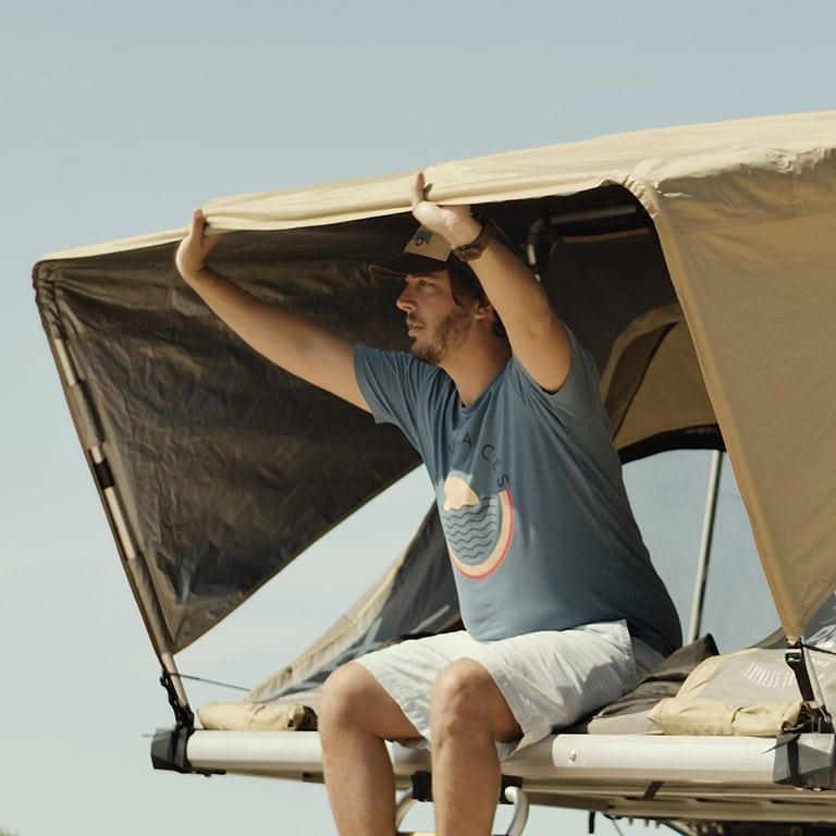 BXF.1 tente de toit 4 places - Face - Intérieur