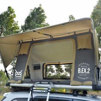 Couche isolante pour les toiles des tentes de toit